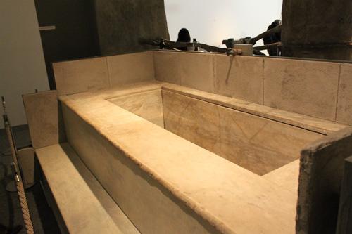 そしてこれが浴室です。ダラーとはできない感じですね。