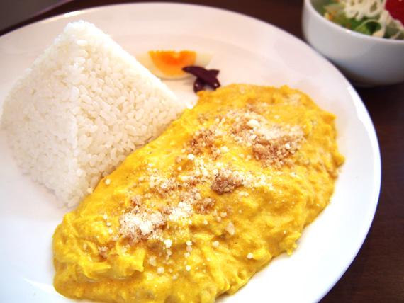 「アヒ・デ・ポヨ」(鶏のムネ肉のスパイシーチーズクリーム)ランチ980円